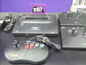 Foto Neo Geo AES Completo + 2 Controles Arcade (Seminovo)