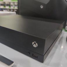 Foto Microsoft XBOX ONE X + Jogo +  Frete Grátis + Garantia ZG! - Seminovo