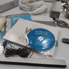 Foto Nintendo Wii Branco Retrocompátivel Destravado - Seminovo